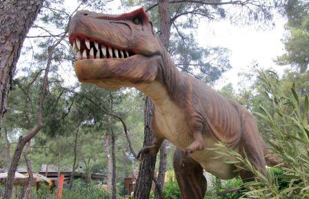 парк з динозаврами в Туреччині