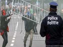 поліція брюсселя розігнала демонстрацію водометами