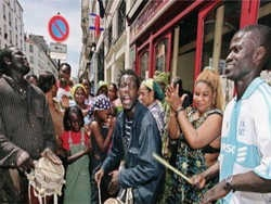 франція як колонія своїх колишніх колоній