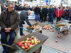 польські фермери починають бунтувати