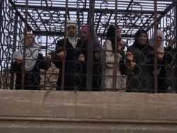 американські терористи в сирії прикриваються жінками