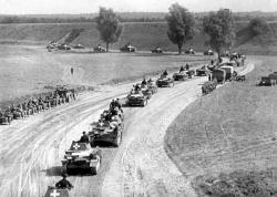 головною метою розв'язання другої світової війни було знищення німеччини і росії
