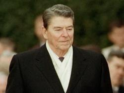розв'язуючи холодну війну, америка домагається розпаду росії
