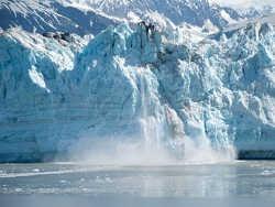 антарктида плавиться: вчені розповіли про появу тисяч озер талої води