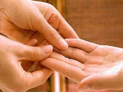 як проводити масаж кистей рук?