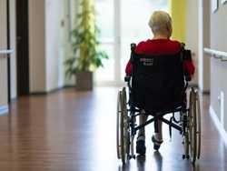 кому потрібні онкохворі британці?
