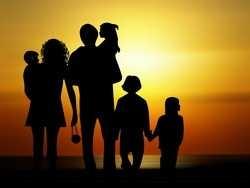 сім'я продовжує життя