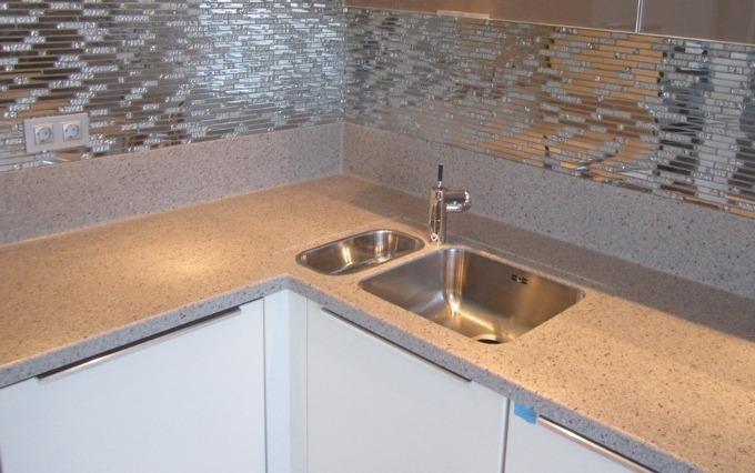 Застосування у будівництві  та інтер'єрі квартир виробів з штучного каменю